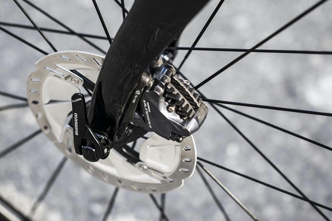 Las revoluciones del ciclismo: ejes pasantes
