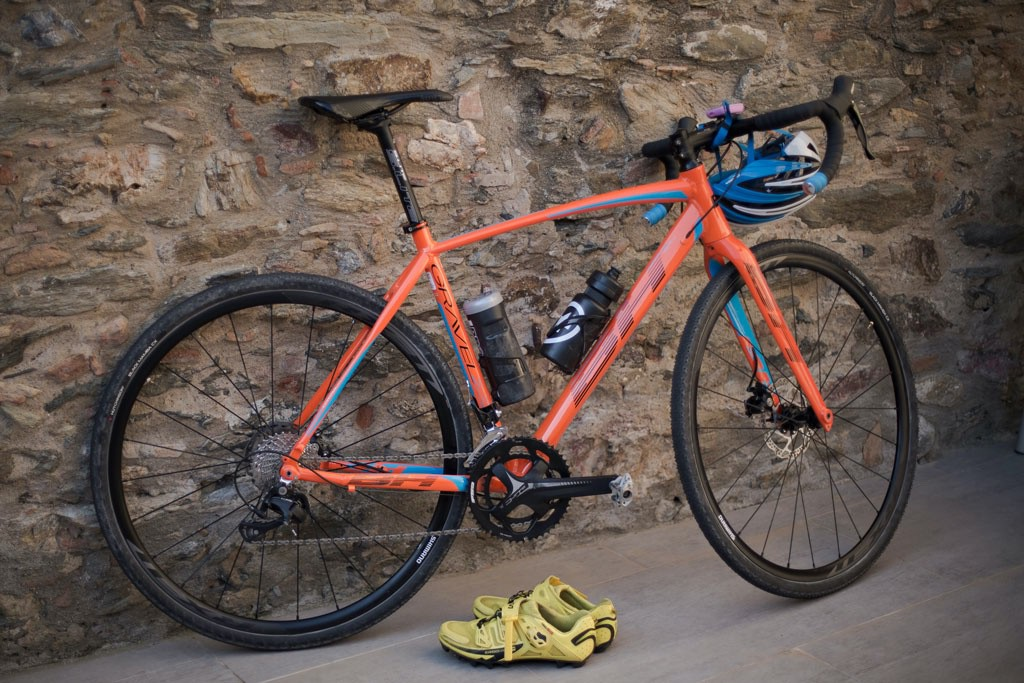 Ciclismo Gravel: entre el asfalto y la tierra hay algo