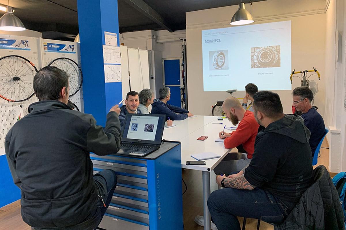 AMBE y EMEB se unen para crear la primera certificación de mecánico de bicicletas