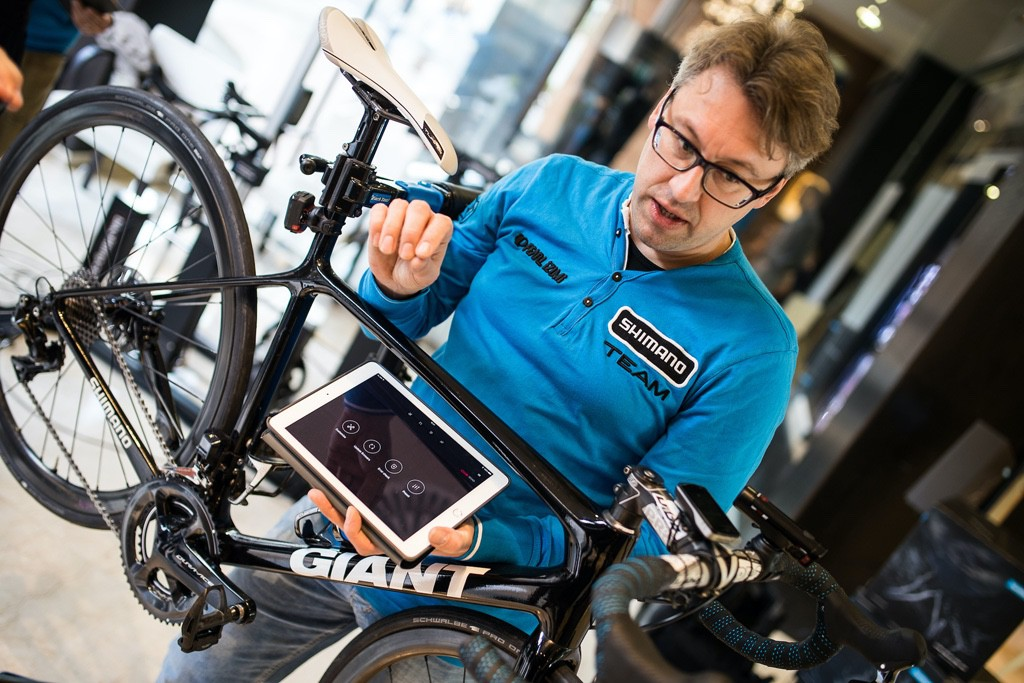 Conectando un grupo con tecnología Di2 a un tablet