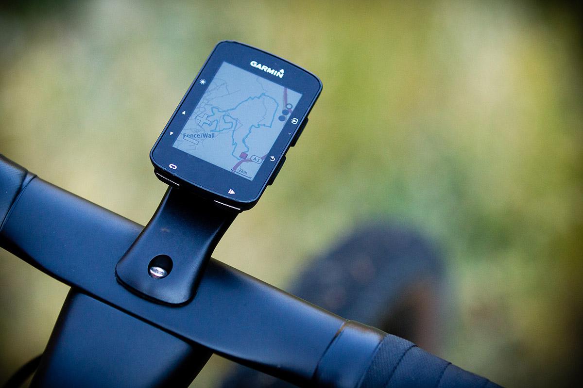 Ciclocomputadores o Apps en el teléfono para ciclismo ¿qué es mejor?