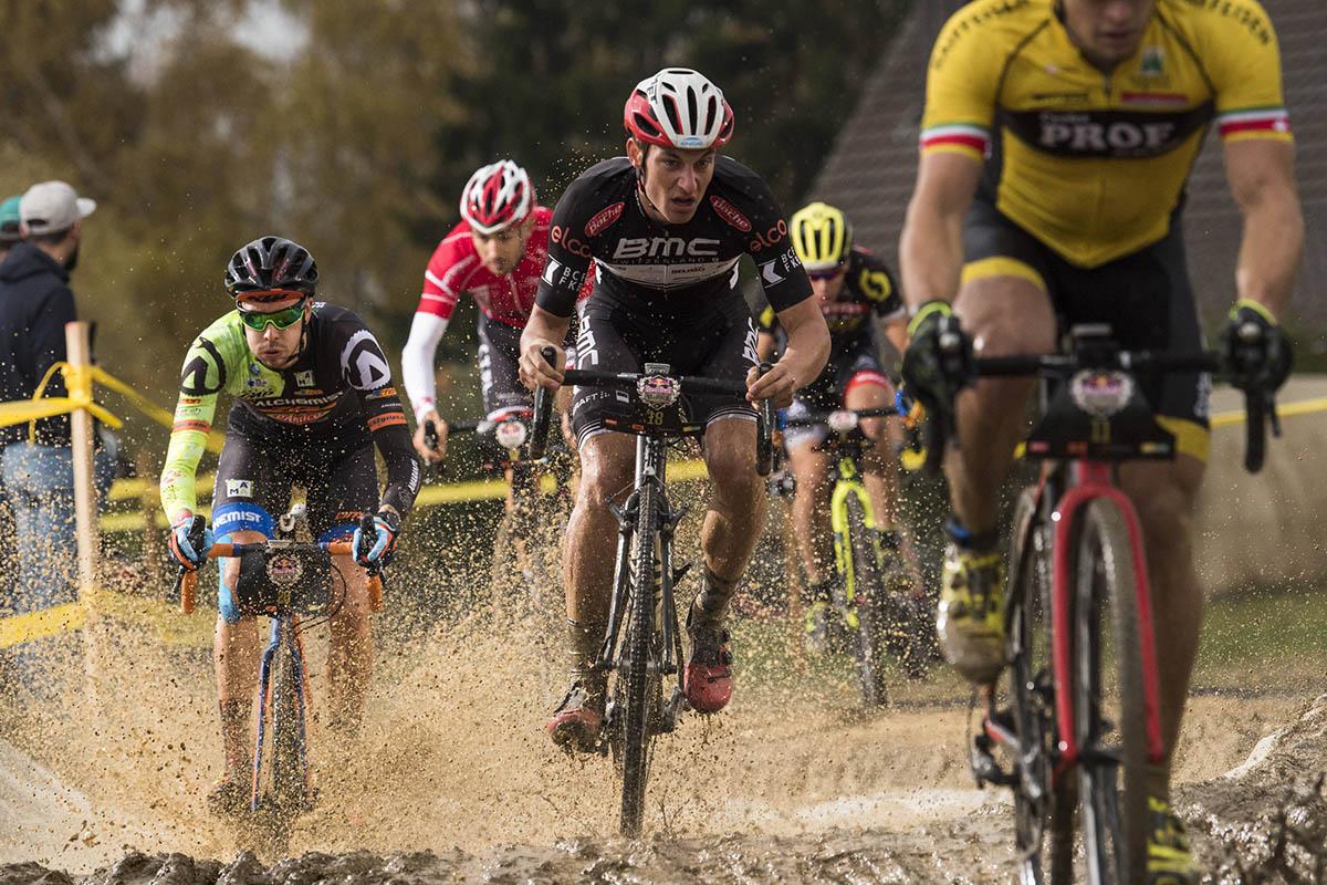 La explosividad de la competición en ciclocross