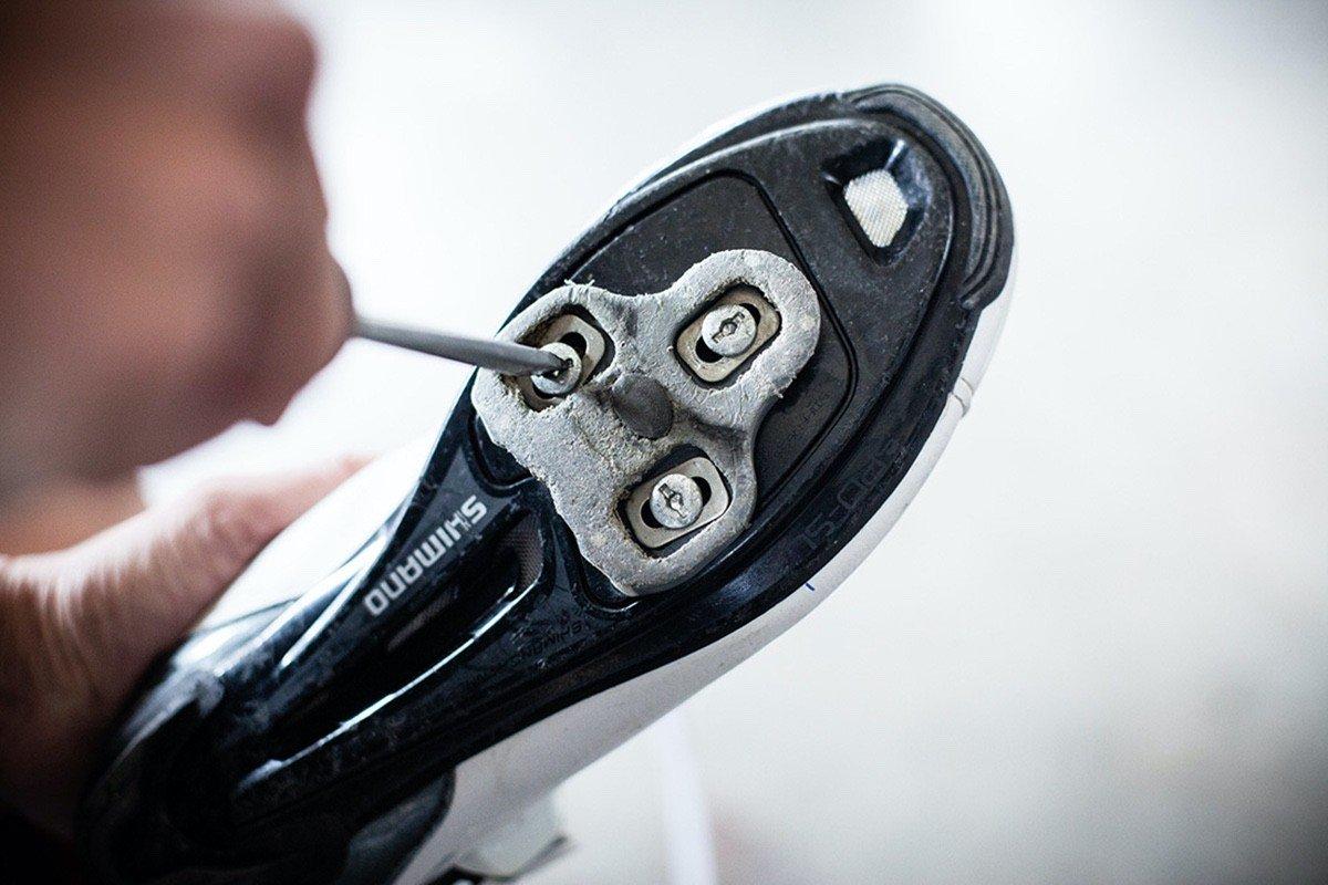 Como ajustar las calas de tus zapatillas de carretera