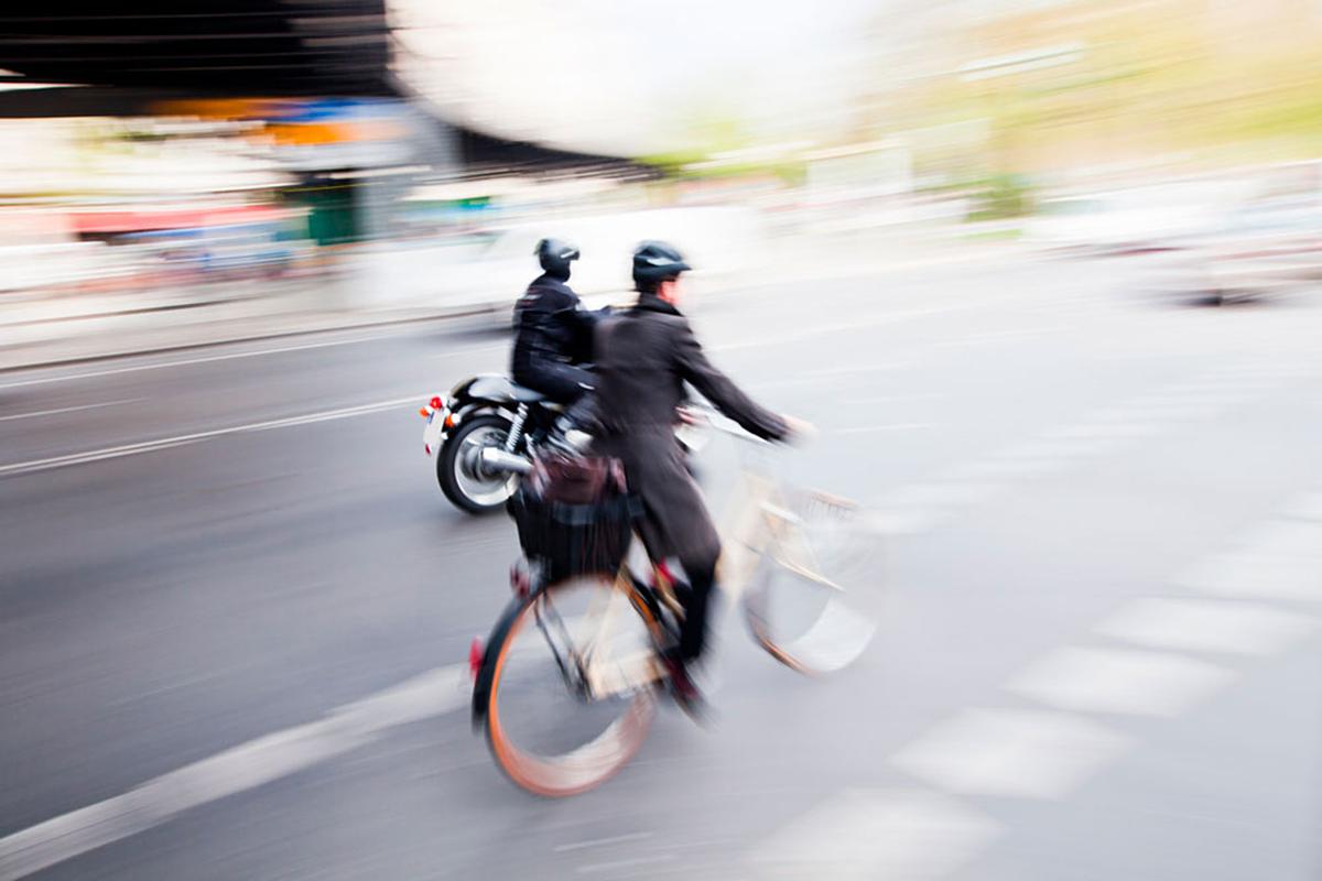 MAPFRE Cuidamos tuMOTO apuesta por la convivencia entre moto y bici en el asfalto