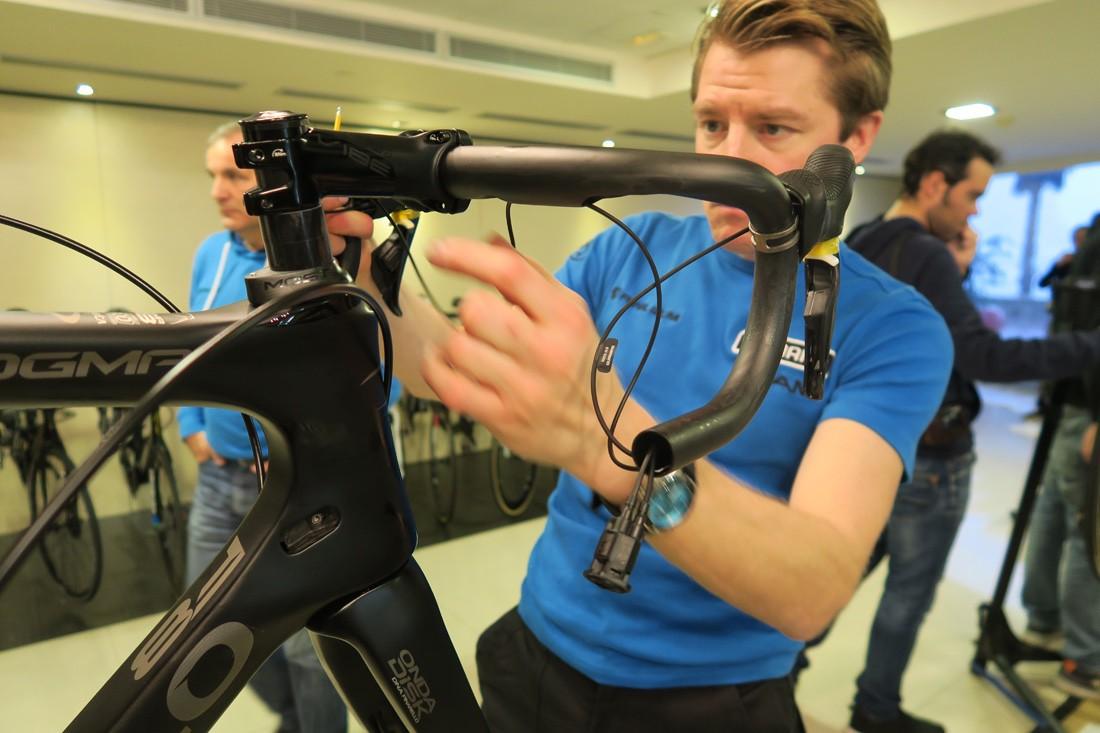 Cosas de la bicicleta que no debes tocar si no sabes. Cambios electrónicos