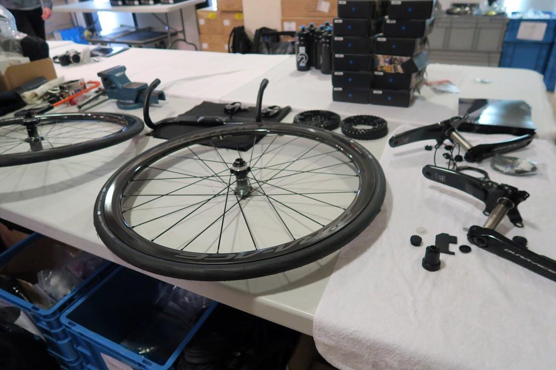 Cosas de la bicicleta que no debes tocar si no sabes. Centrar las Ruedas