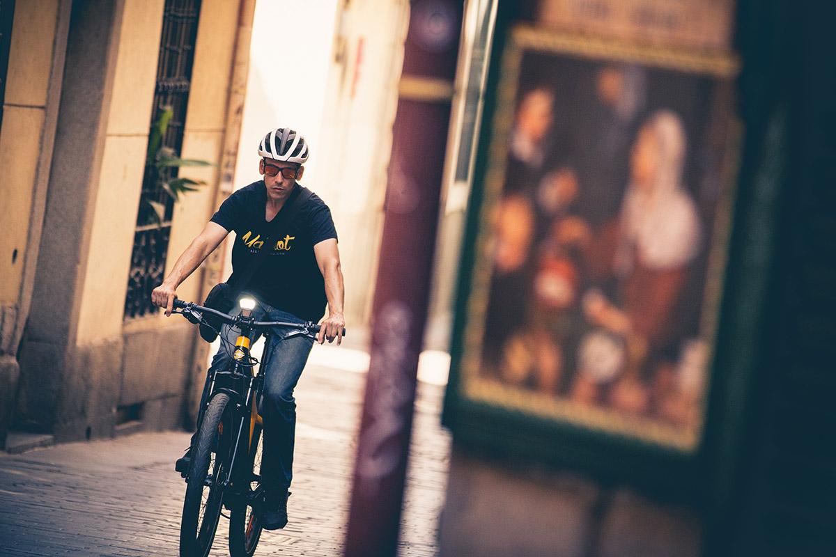 Con la Ducati e-Scrambler por las calles de Madrid