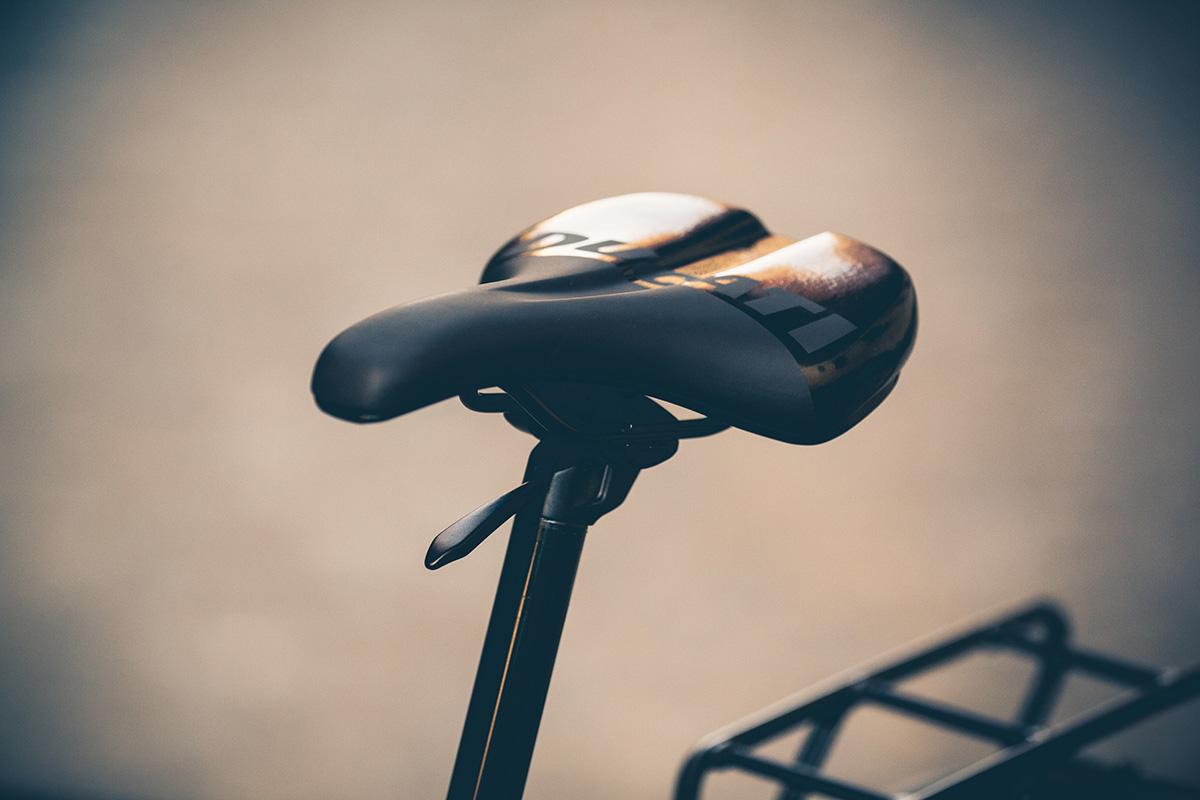 Tija telescópica KS en la Ducati e-Scrambler