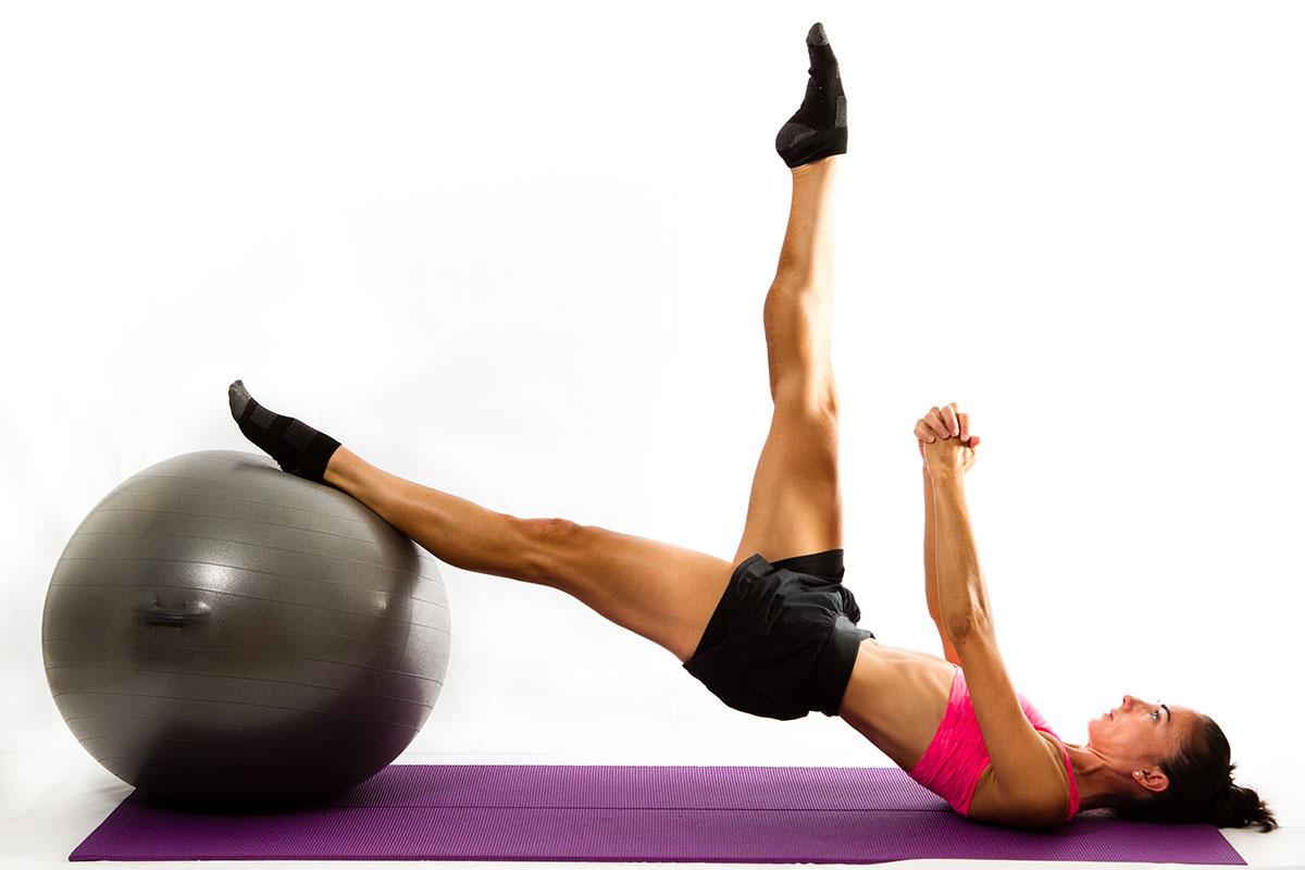 Recopilatorio de ejercicios para entrenar en casa: ejercicios con Fitball