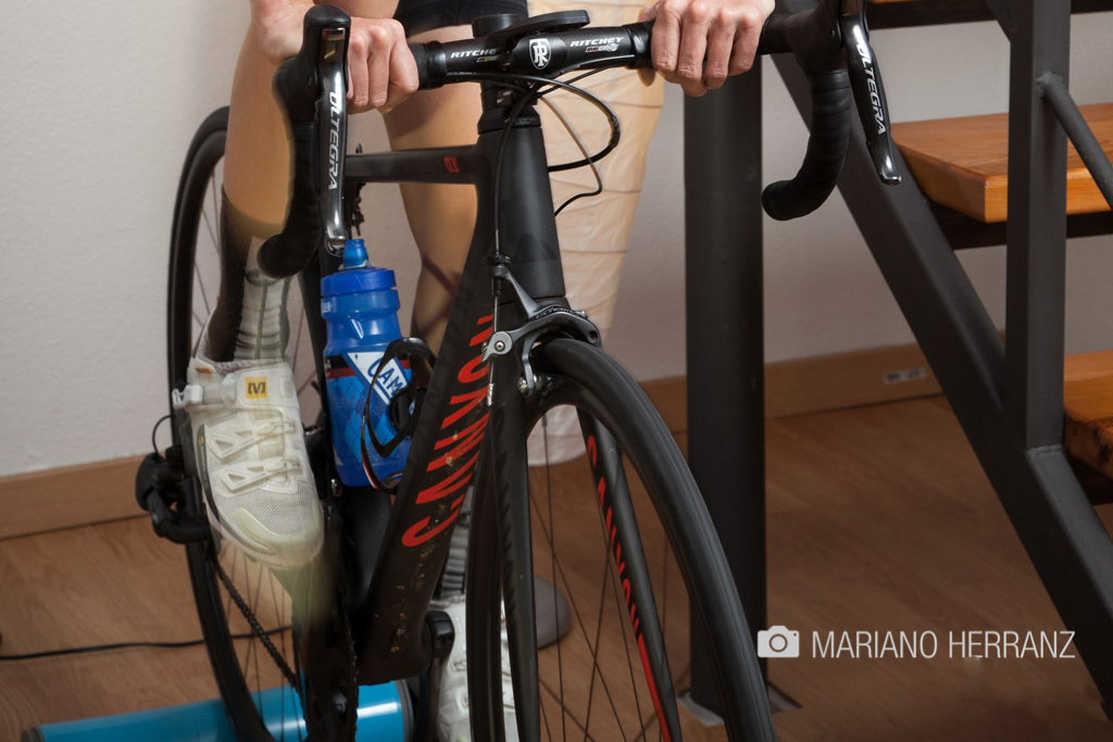Entrenamiento en bici con rodillo ¿tradicional o cicloentrenador?
