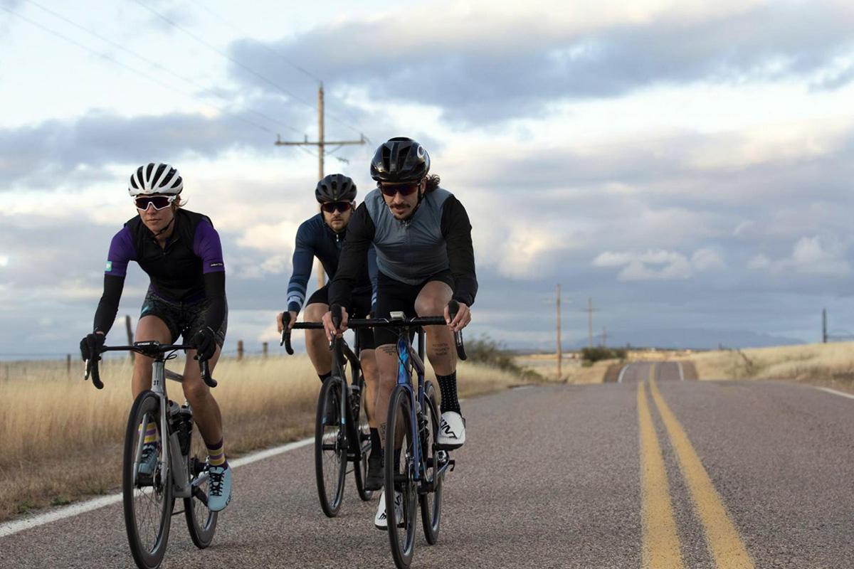 5 cosas que (a lo mejor) haces cuando sales en bici y no son seguras