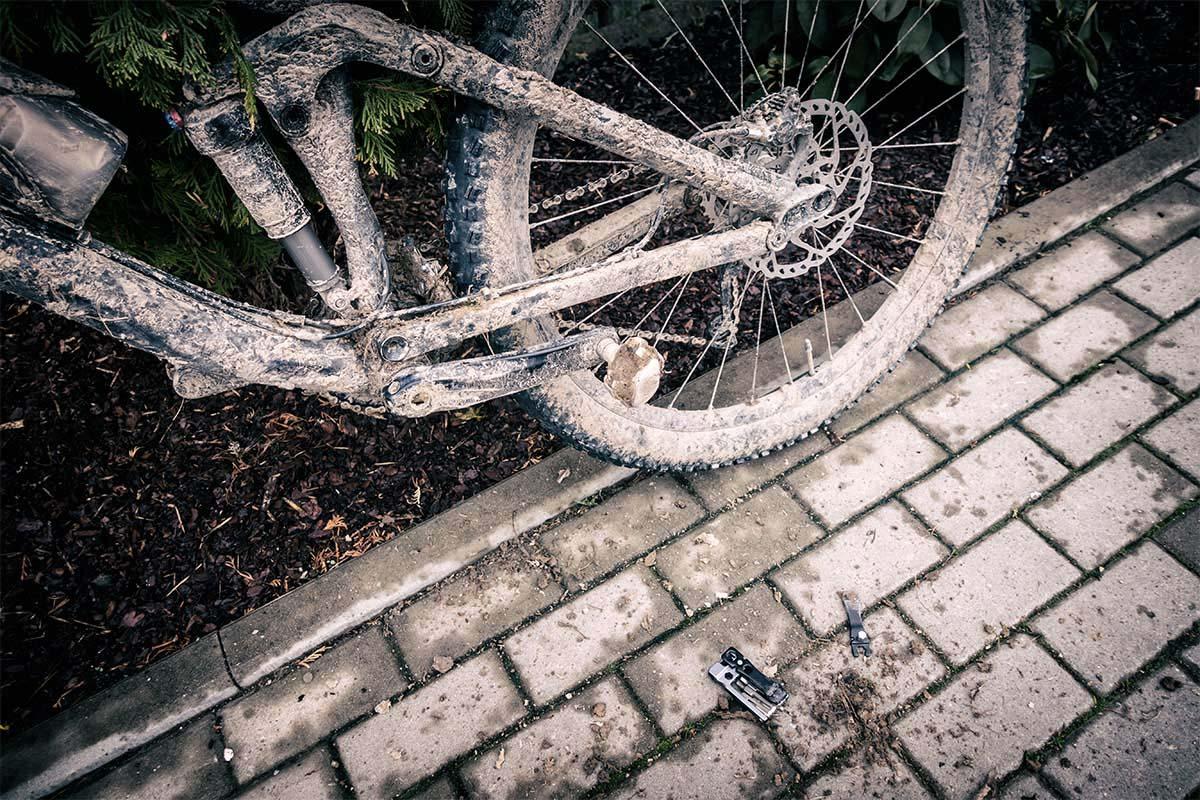 Cómo arruinar tu bici en la terraza en 10 minutos