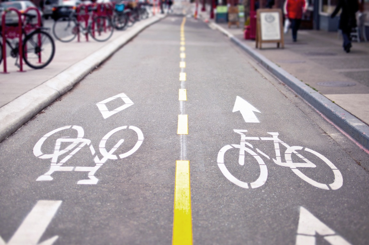Carril bici seguro y segregado.