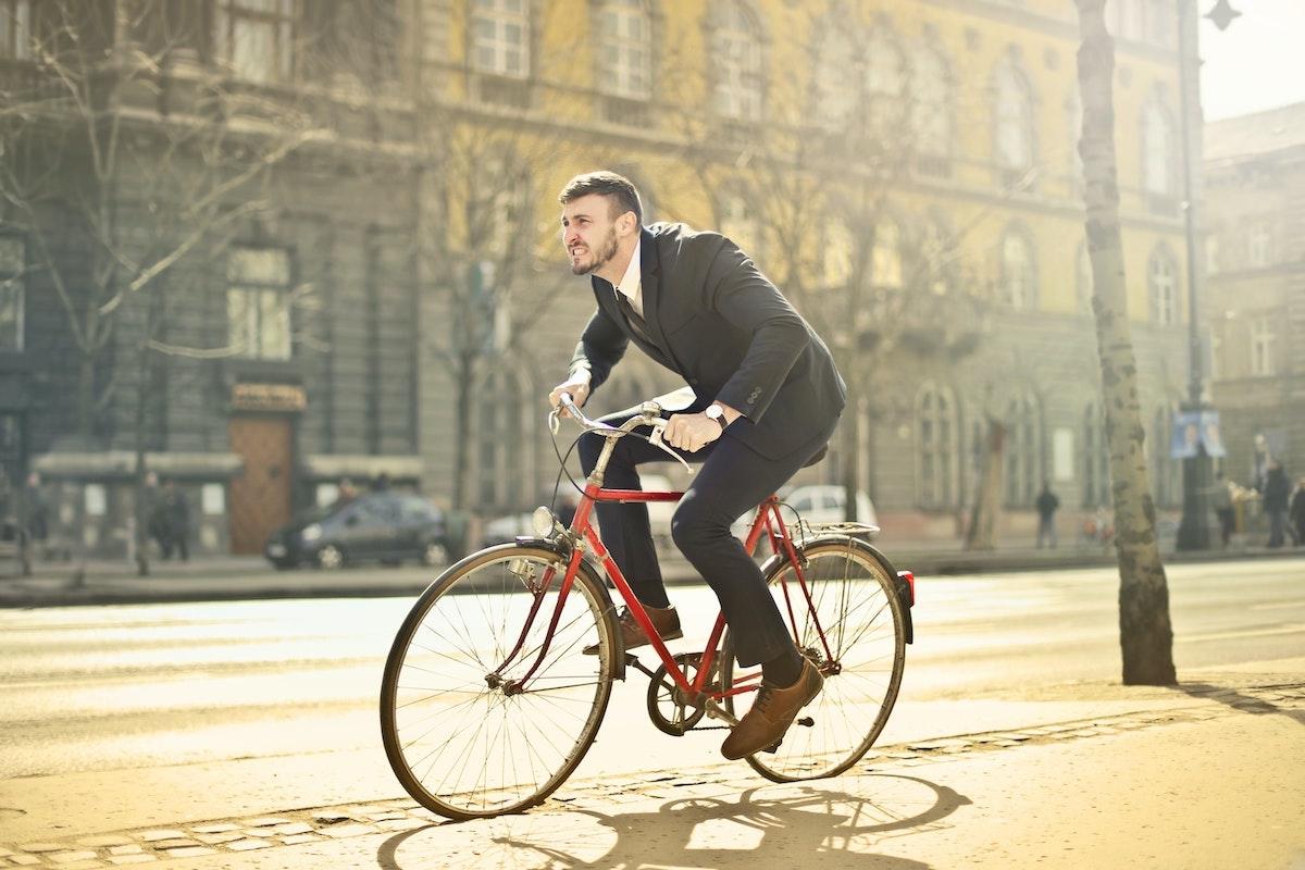 Cinco cosas que debes saber para ser un buen ciclista urbano