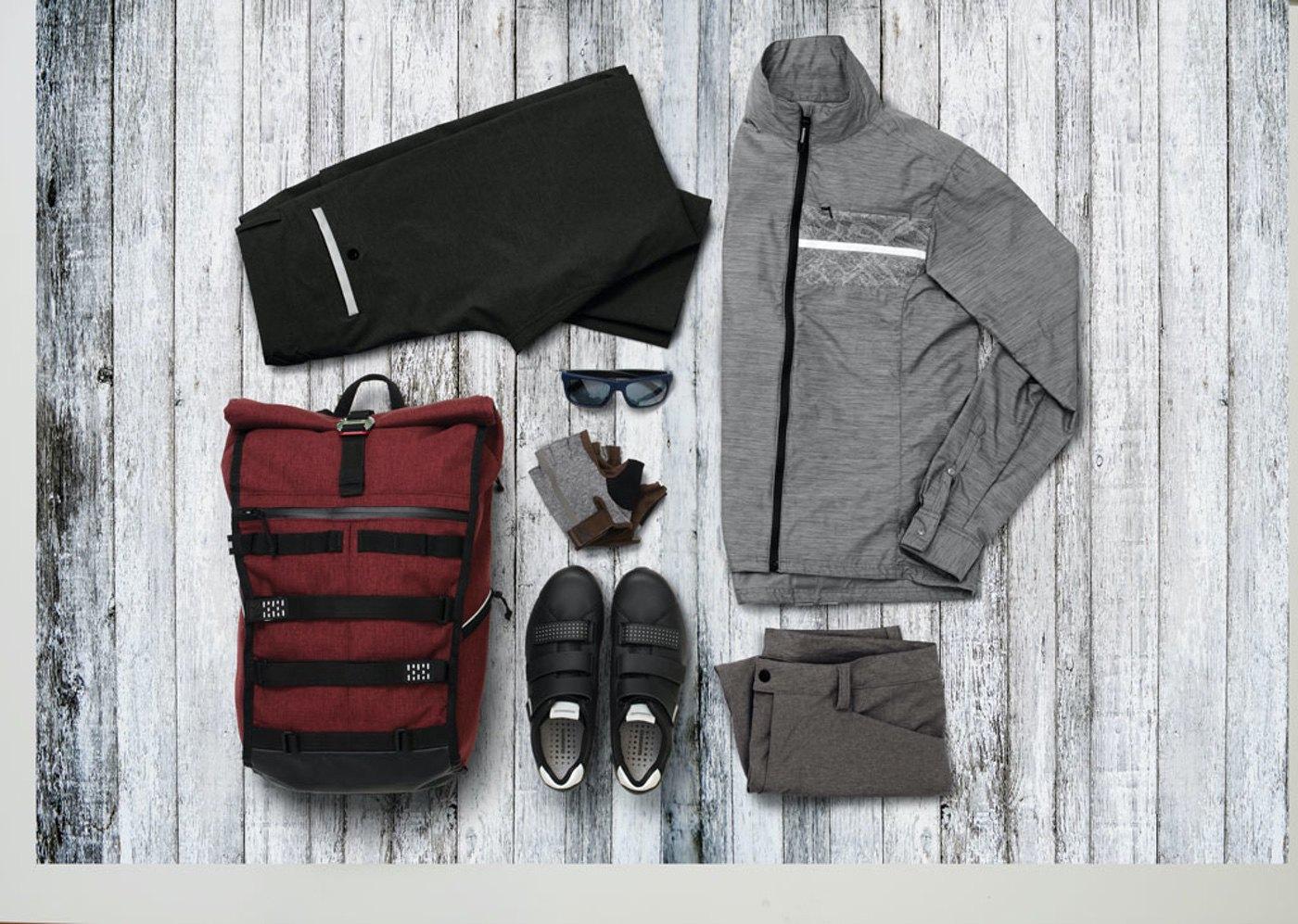 Shimano lanza su colección primavera/ veranos de ropa para el ciclista urbano y de carretera.