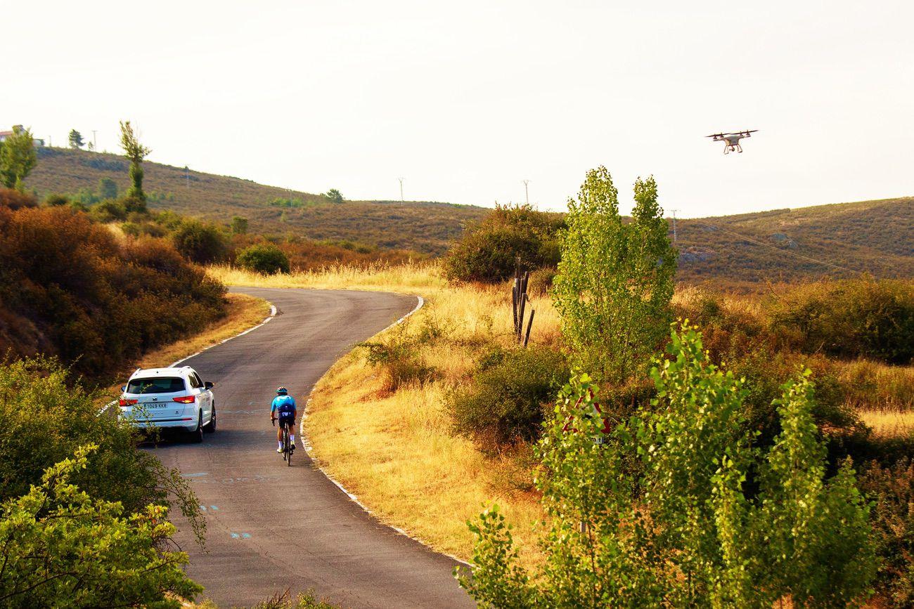 Drones para detectar ciclistas en la carretera y mejorar la seguridad