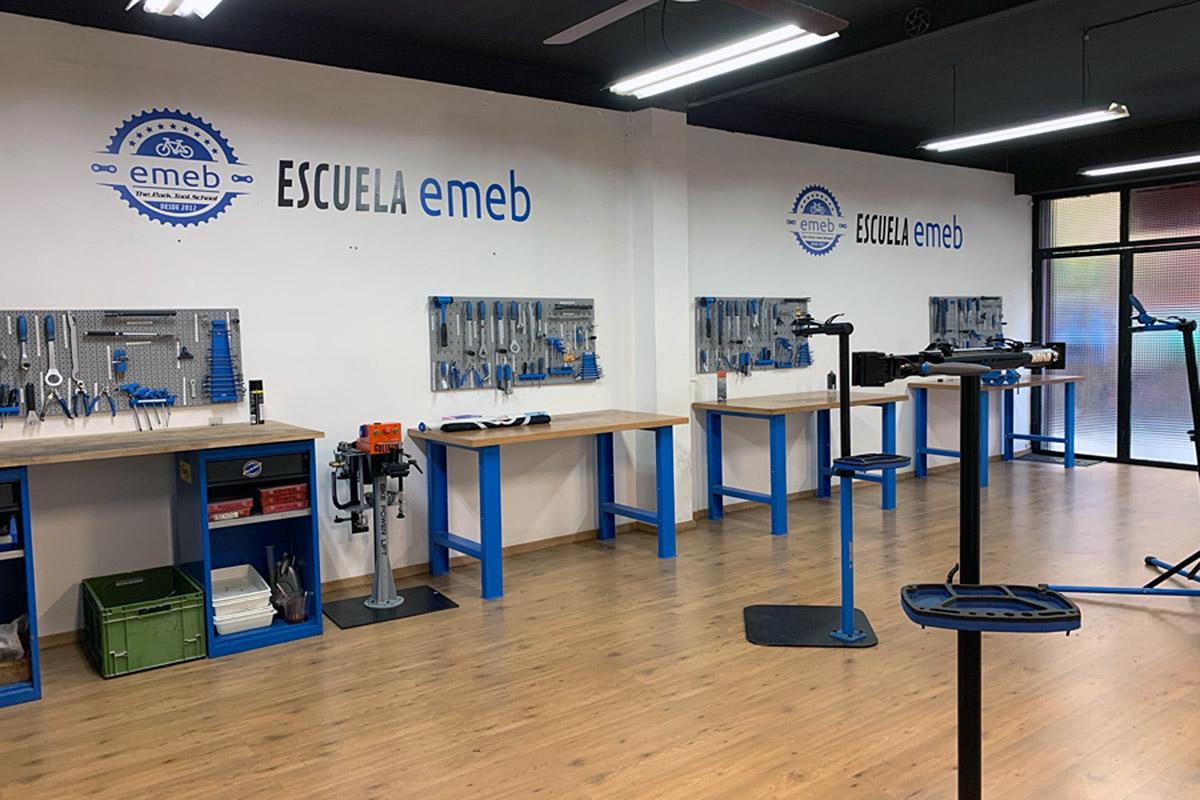 EMEB y MyBIKE firman un acuerdo de colaboración para crear bolsas de trabajo