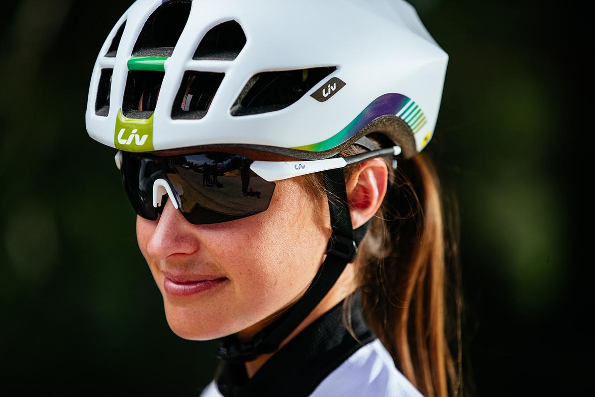 Conoce el LIV Extima, el casco aero para las ciclistas más rápidas