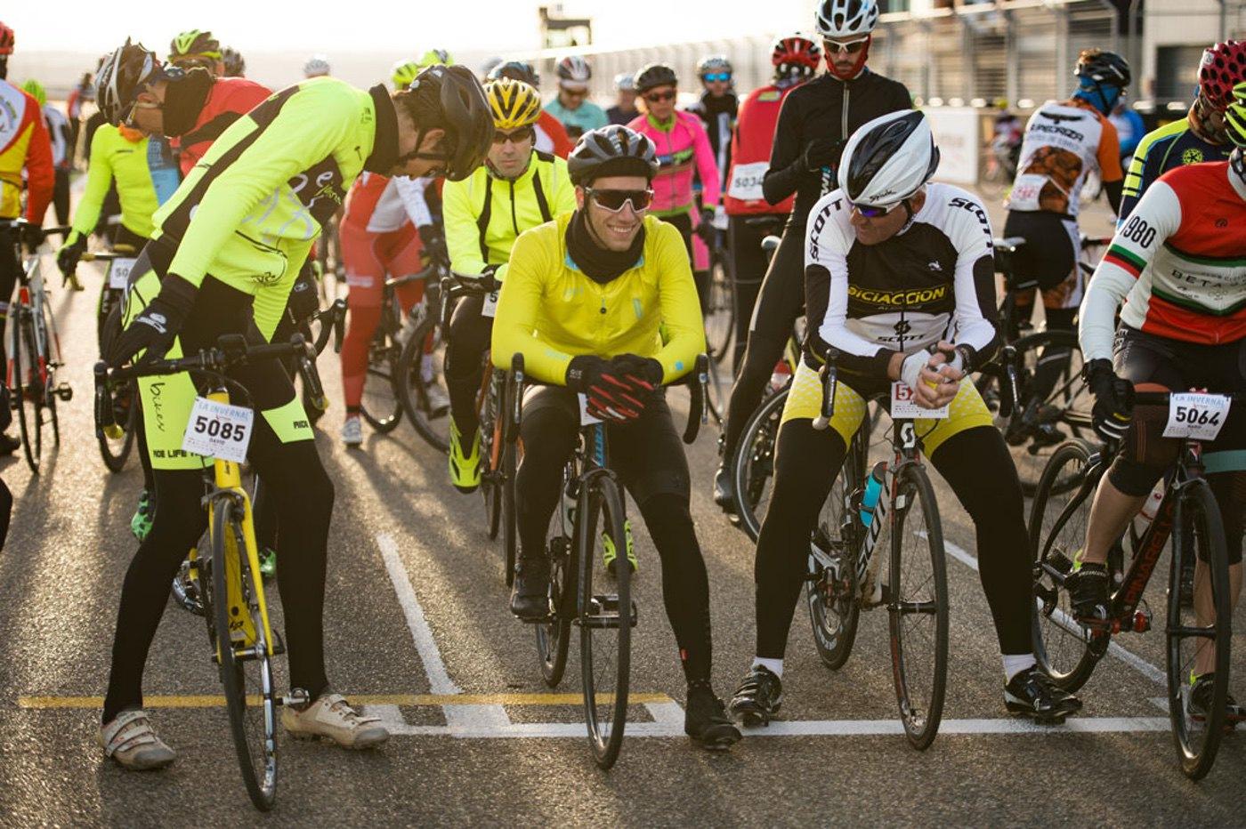 Ciclismo y deporte solidario en la Octava edición de La Invernal de Motorland