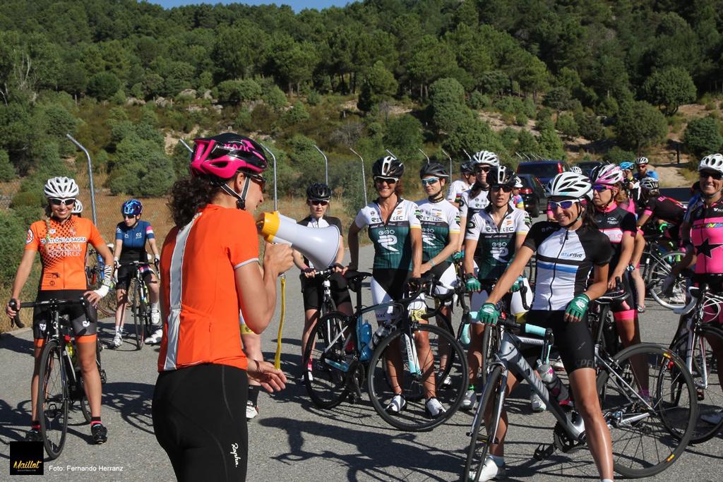 Concentraciones ciclistas por el respeto en carretera. No+ciclistasmuertos #porunaleyjusta