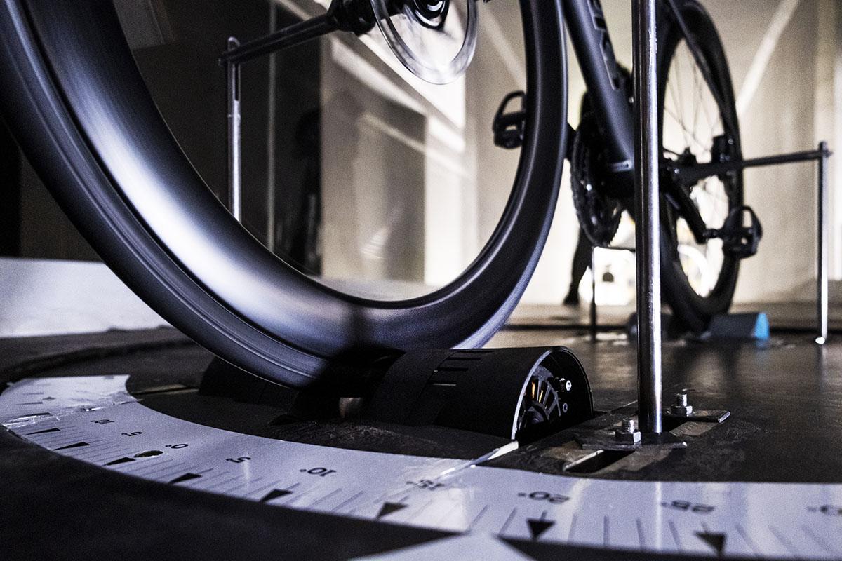 Nuevas ruedas FFWD RYOT33 y RYOT55: versatilidad y aerodinámica
