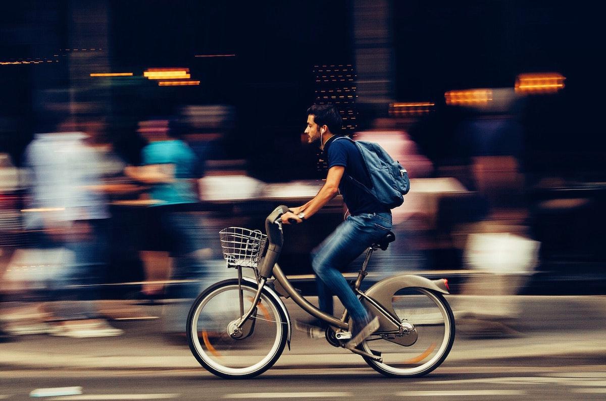 En 2020 fallecieron nueve ciclistas menos que en 2019