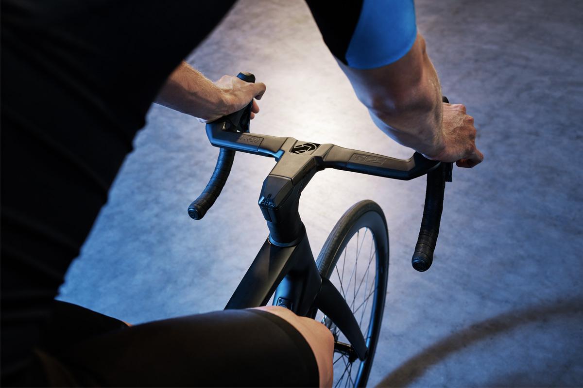 Nuevo manillar y potencia PRO Vibe Evo. Aerodinámica y ergonomía en un diseño innovador