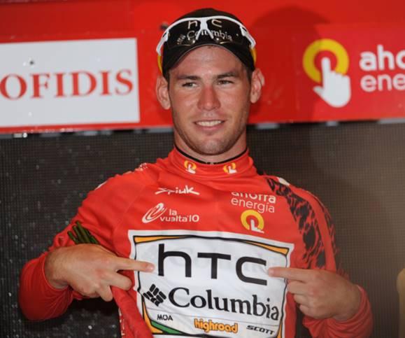 Mark Cavendish estrenando el primer maillot rojo de La Vuelta