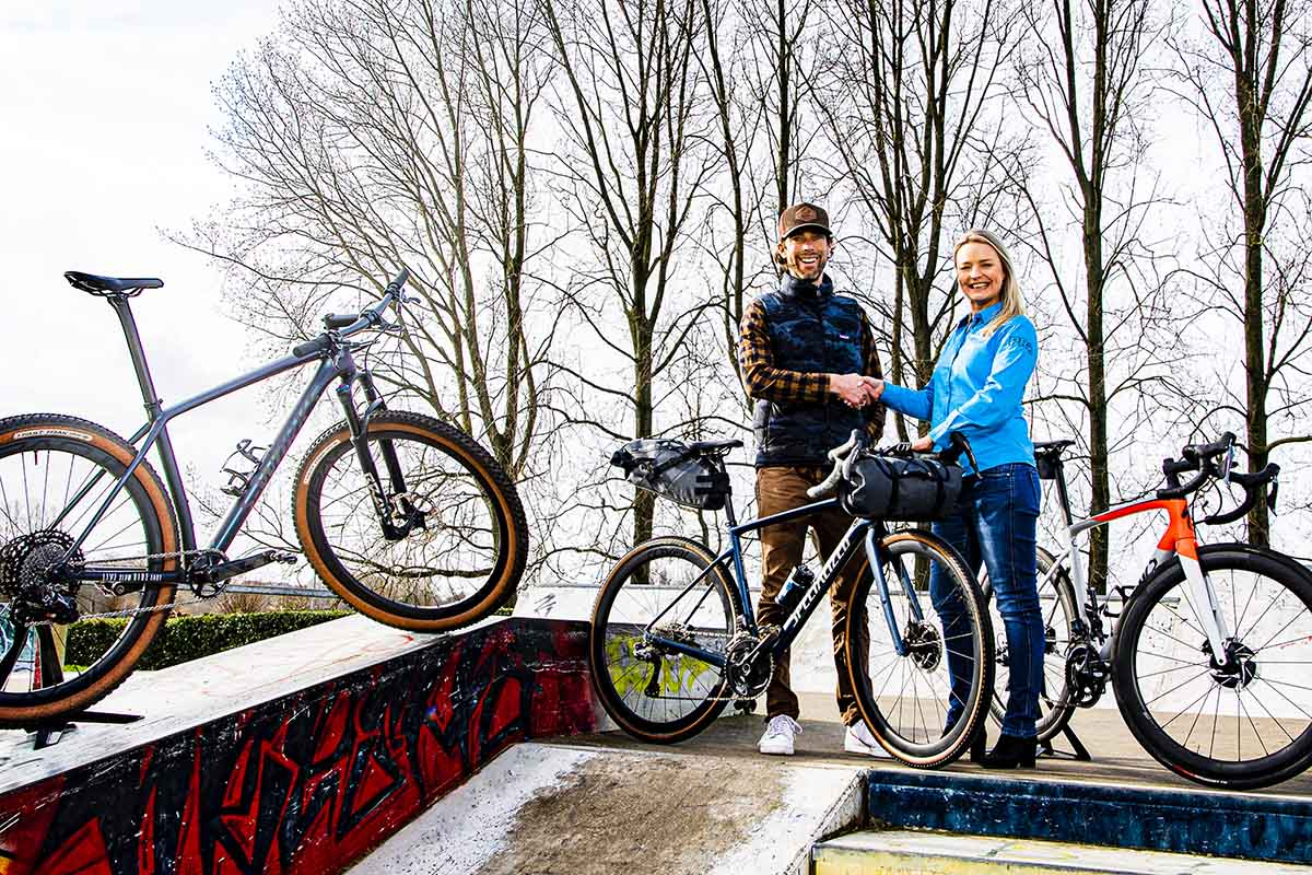 PRO y Laurens Ten Dam unidos en un proyecto gravel