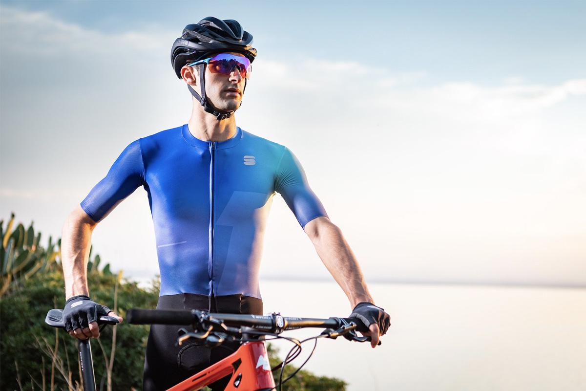 Consigue el máximo rendimiento con los nuevos maillots y mono Bomber de Sportful