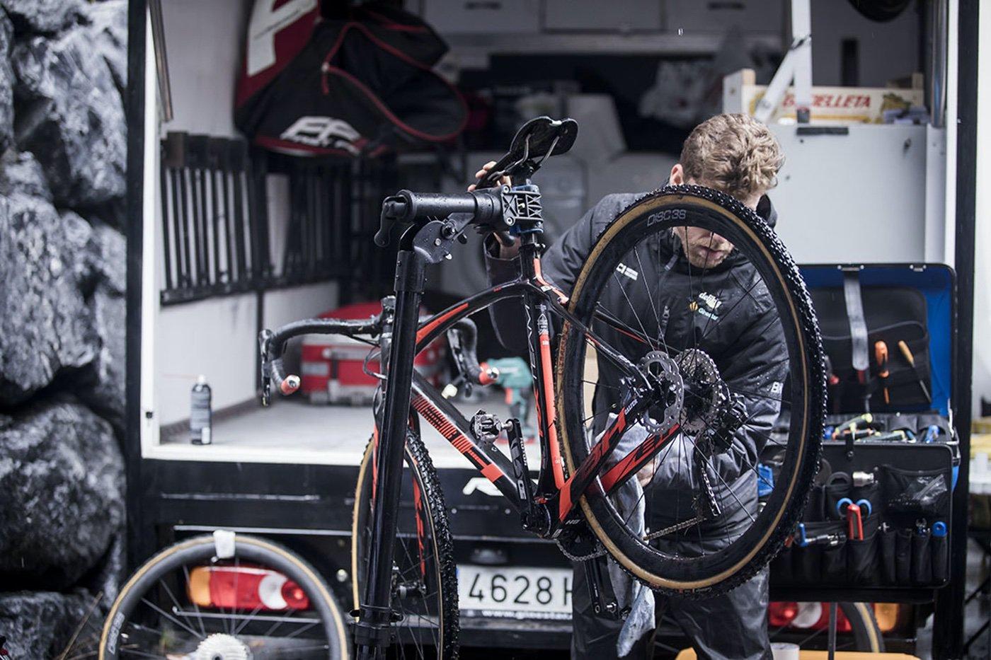 BH RX Team Carbon de Ciclocross del equipo Delikia-Ginestar