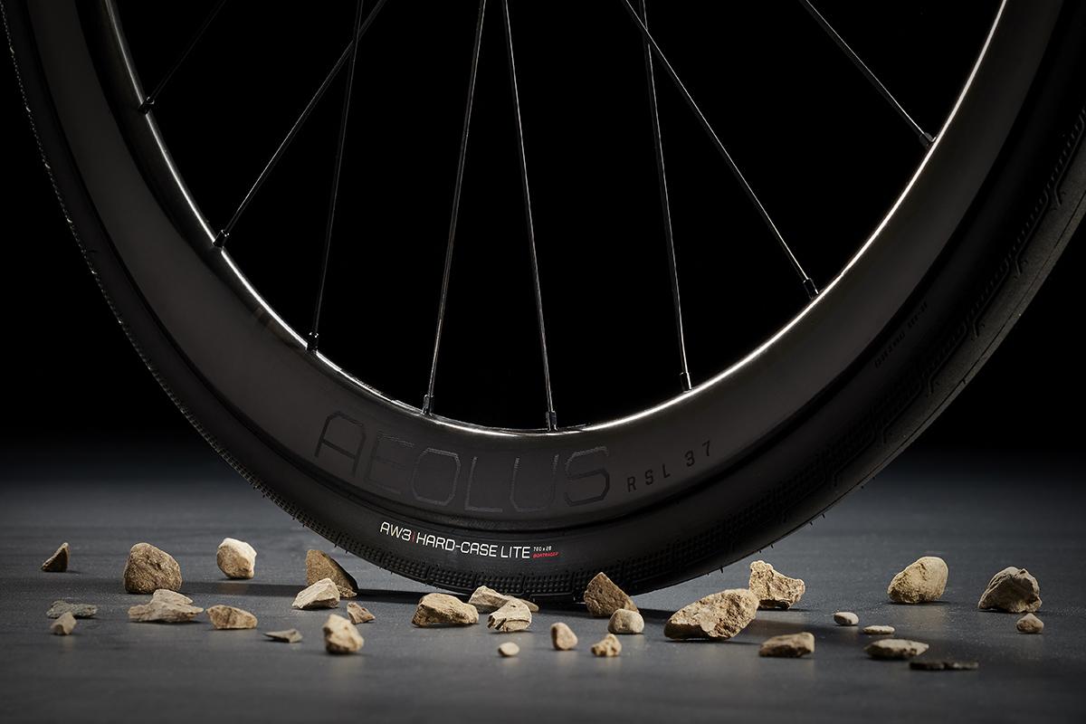 Neumático Bontrager AW3 con piedras