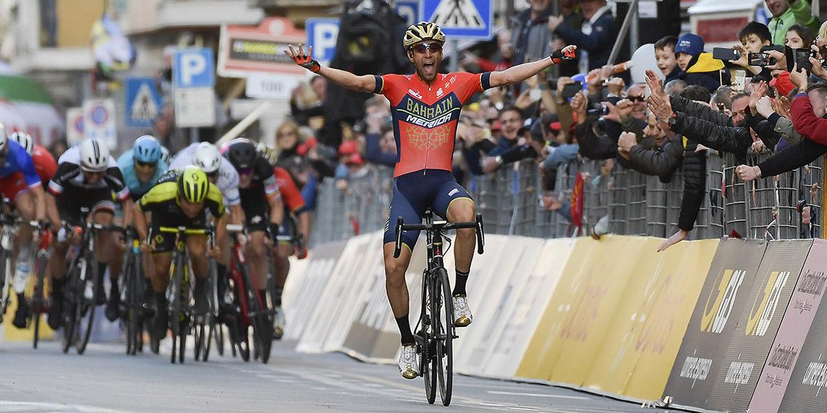 Vincenzo Nibali ganando la Milán San Remo de 2018