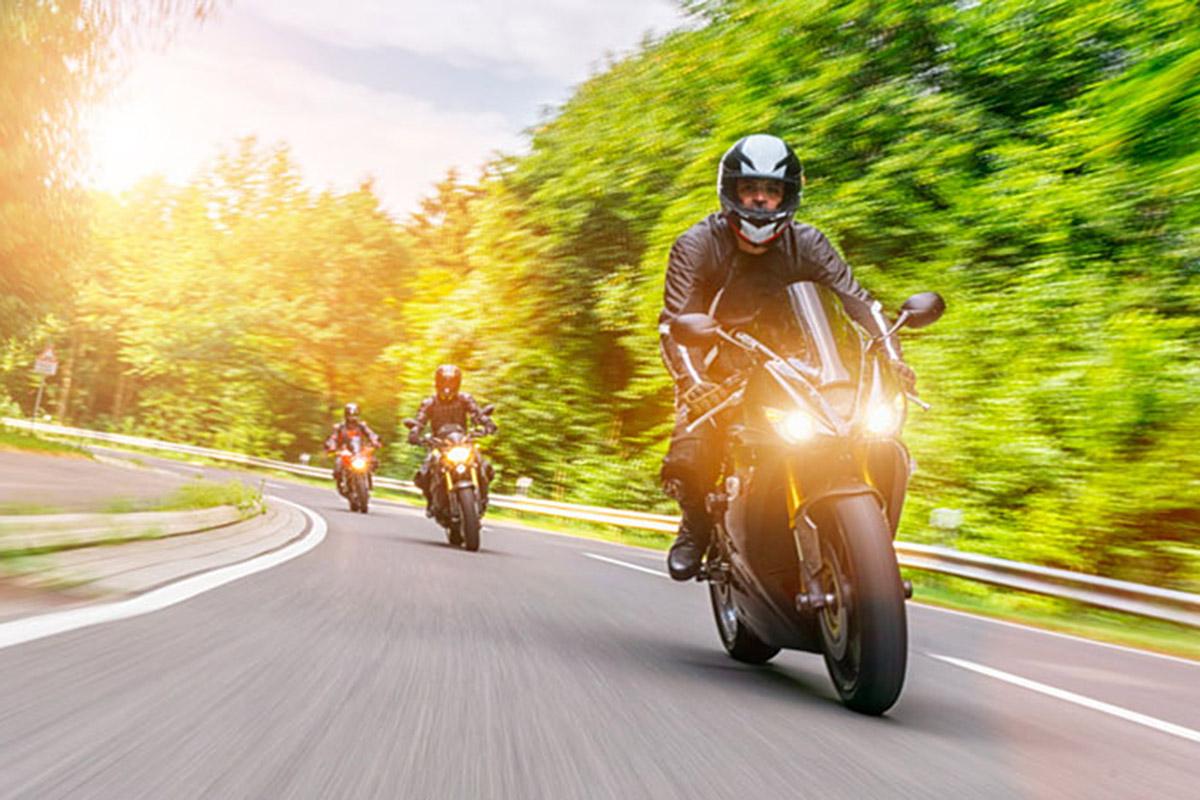 Campaña de MAPFRE Cuidamos tuMOTO por la convivencia entre moto y bici en el asfalto