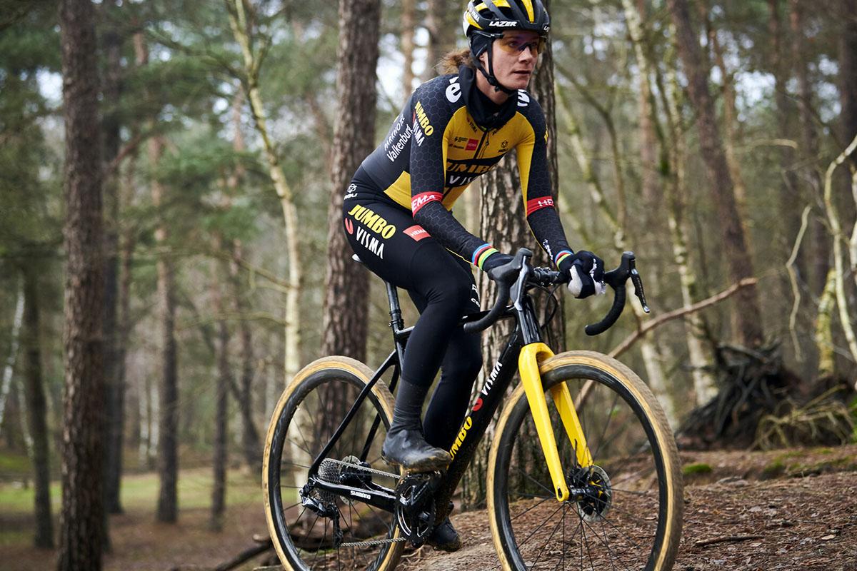 El Team Jumbo-Visma y Shimano crecen con la nueva escuadra femenina