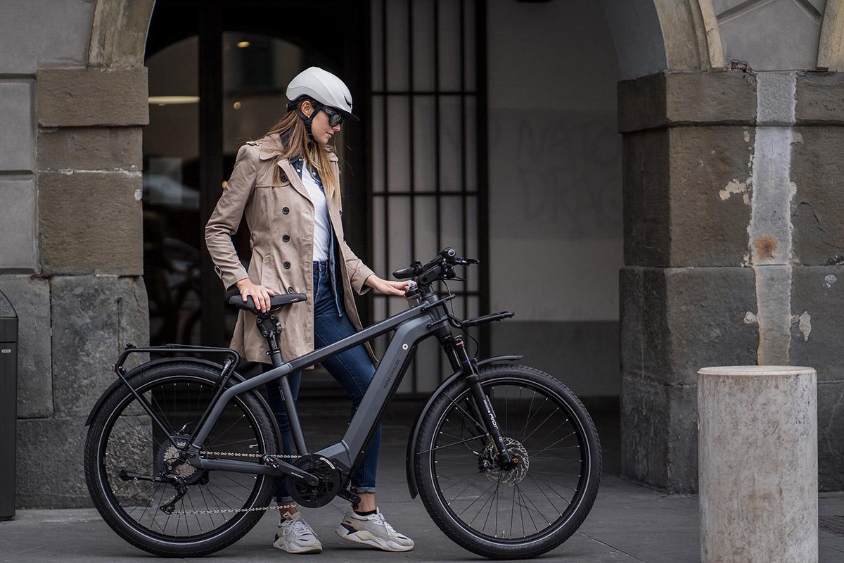 Nuevos cascos KASK URBAN R y MOEBIUS para ciclismo urbano