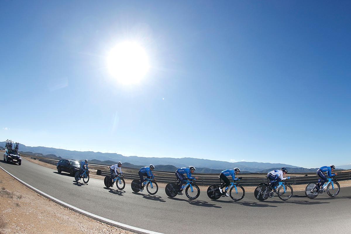 Movistar Team 2021, un enfoque diferente, apuesta por el ciclismo femenino y los eSports