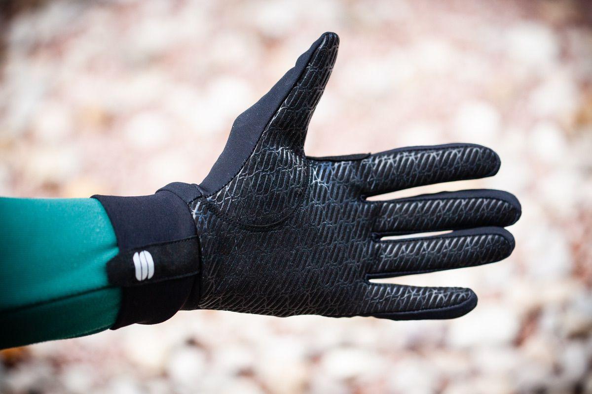 Detalle de la palma de los guantes Sportful Norain