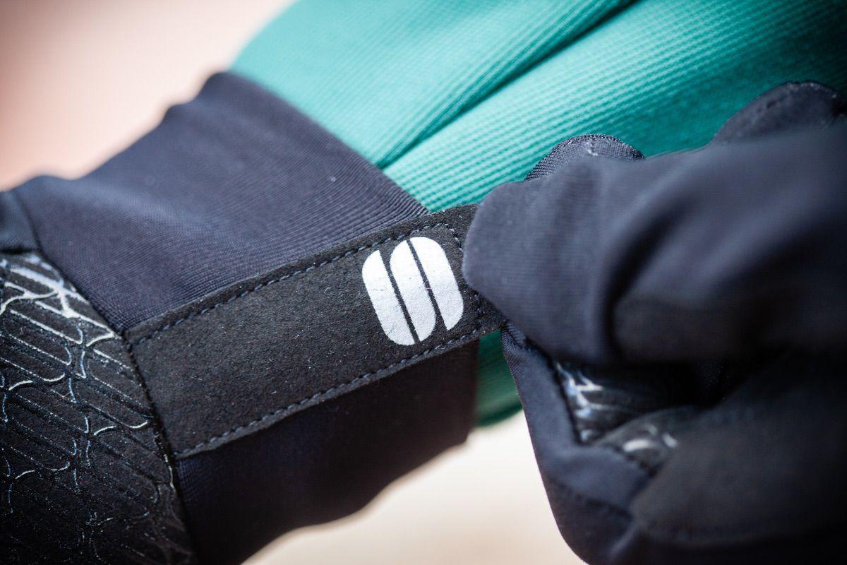 Detalle del guante para ciclismo Sportful Norain