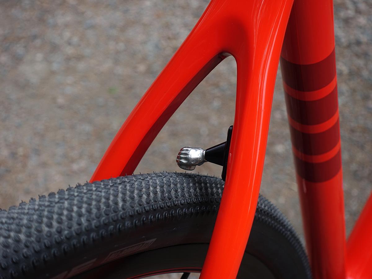 Neumático trasero en una Ibis Hakka MX