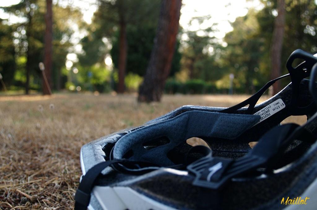 El almohadillado interior del casco Specialized Propero 2, de gran calidad, está fabricado en 4X Dry Lite