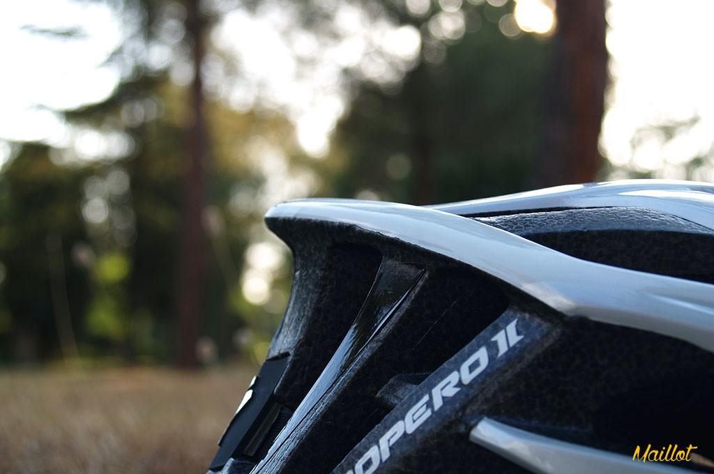 Gracias a la tecnología ProFit 360, el casco ajusta por igual a lo largo de todo el perímetro craneal