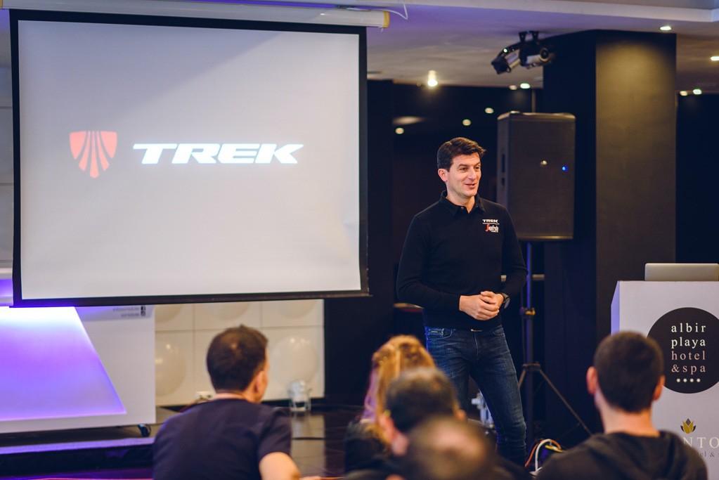 Concentrados con el Trek Segafredo