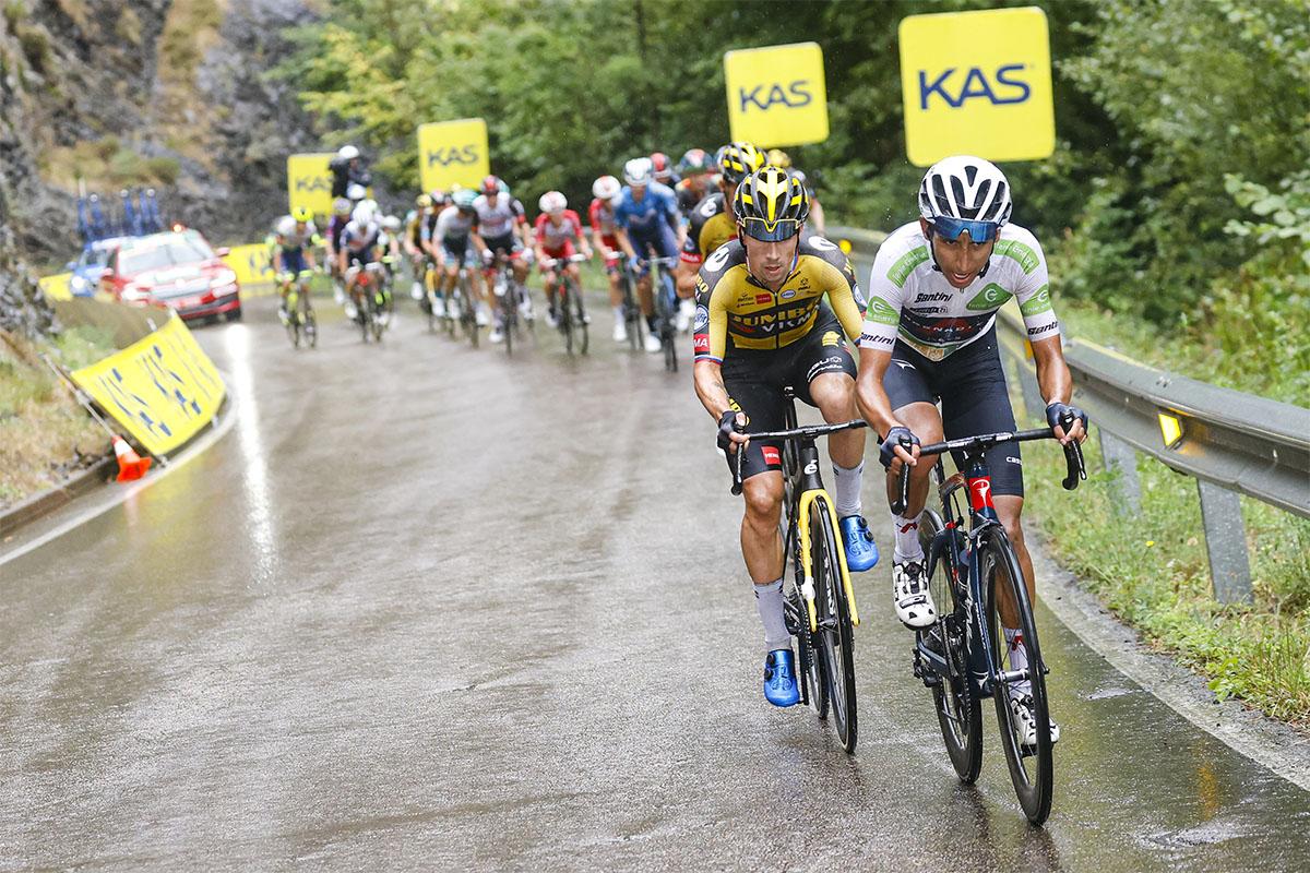 Roglic y Bernal en la etapa de Los Lagos en La Vuelta 21