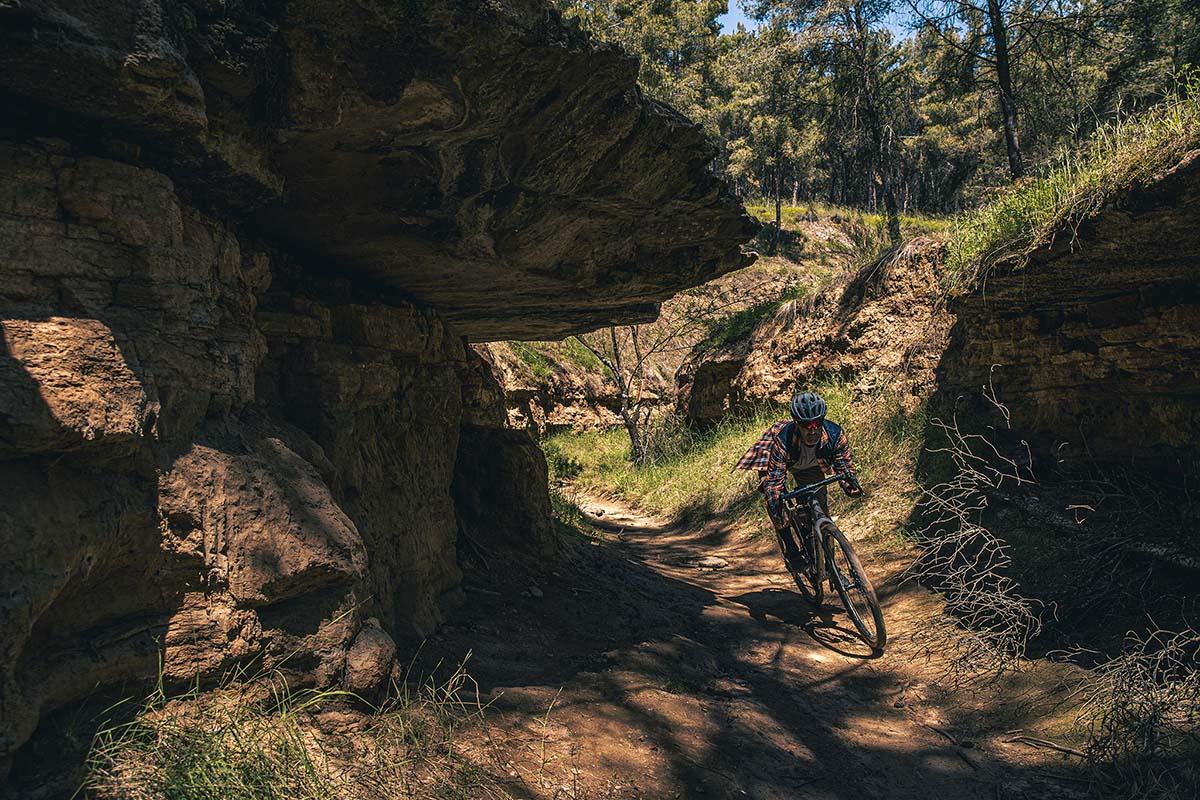 Nueva Canyon Grizl, GRAVEL, con mayúsculas