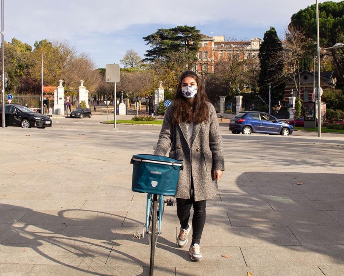 Ciclista por las calles de Madrid