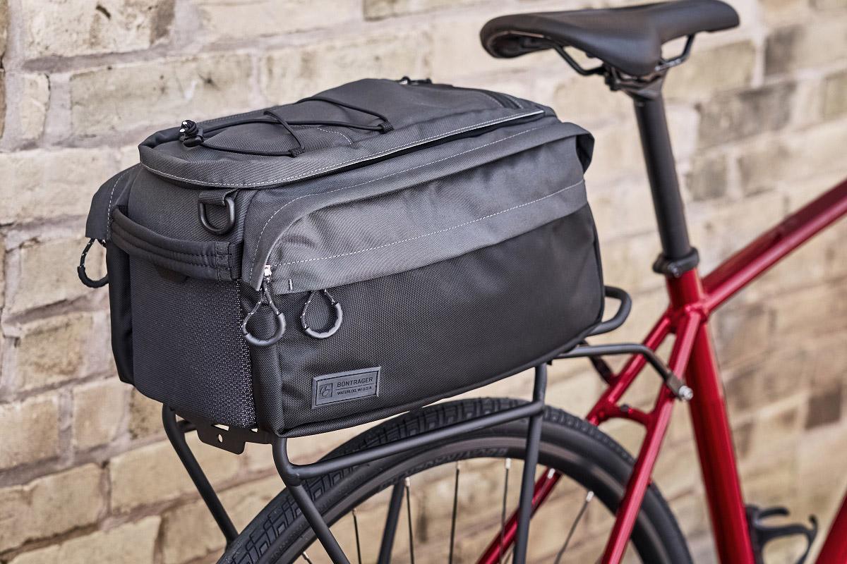 Recicla tu vieja bici en una urbana: portabultos y bolsas