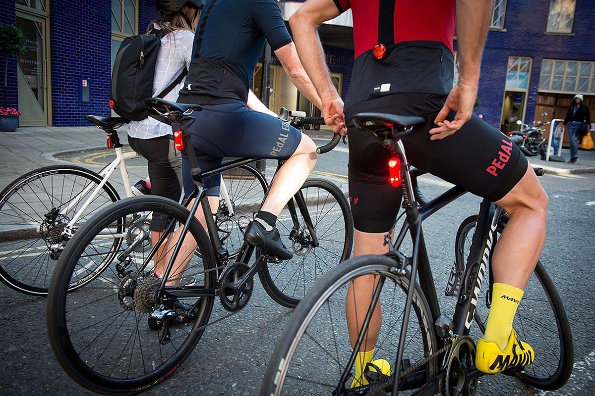 Recicla tu vieja bici en una urbana: las luces y el timbre