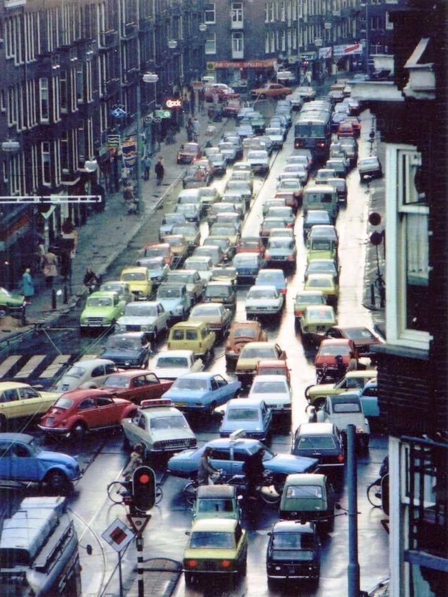 Ciudades llenas de coches en Holanda