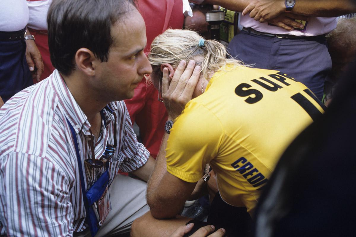 LAURENT FIGNON desolado al perder el Tour de 1989